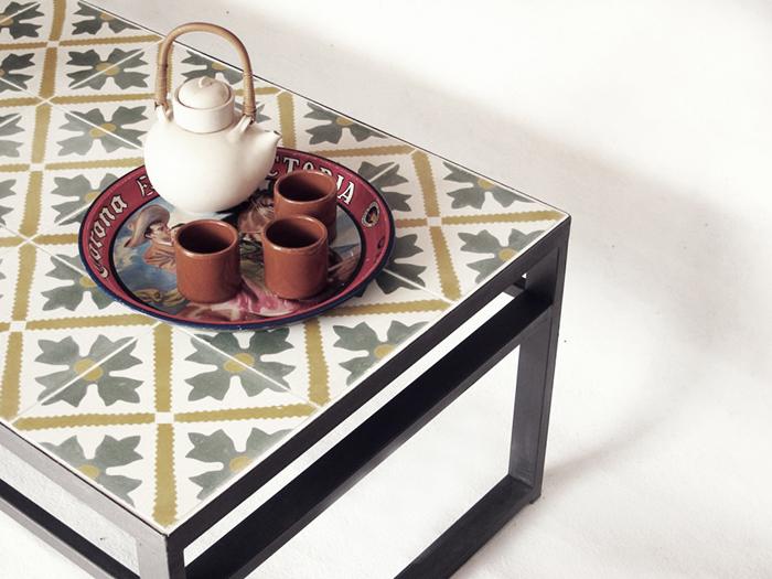 mesa con baldosines