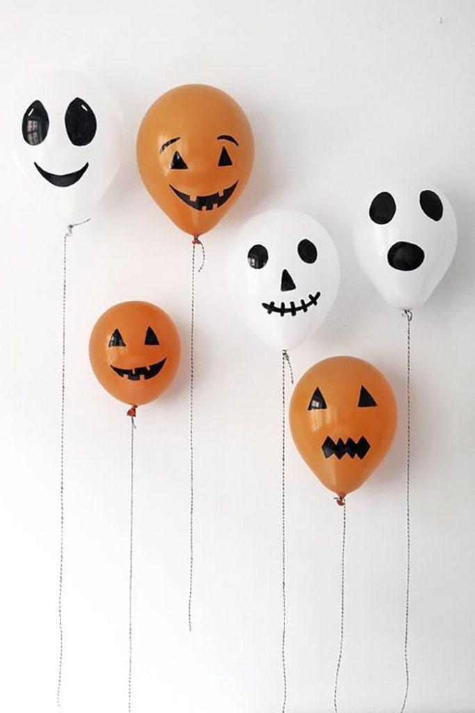 fantasmas con globos para halloween