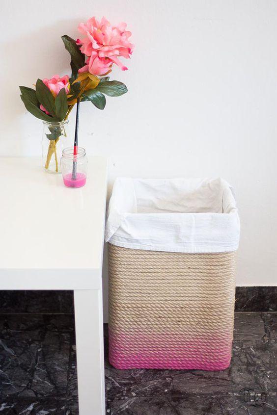 cesta con cartón y cuerda