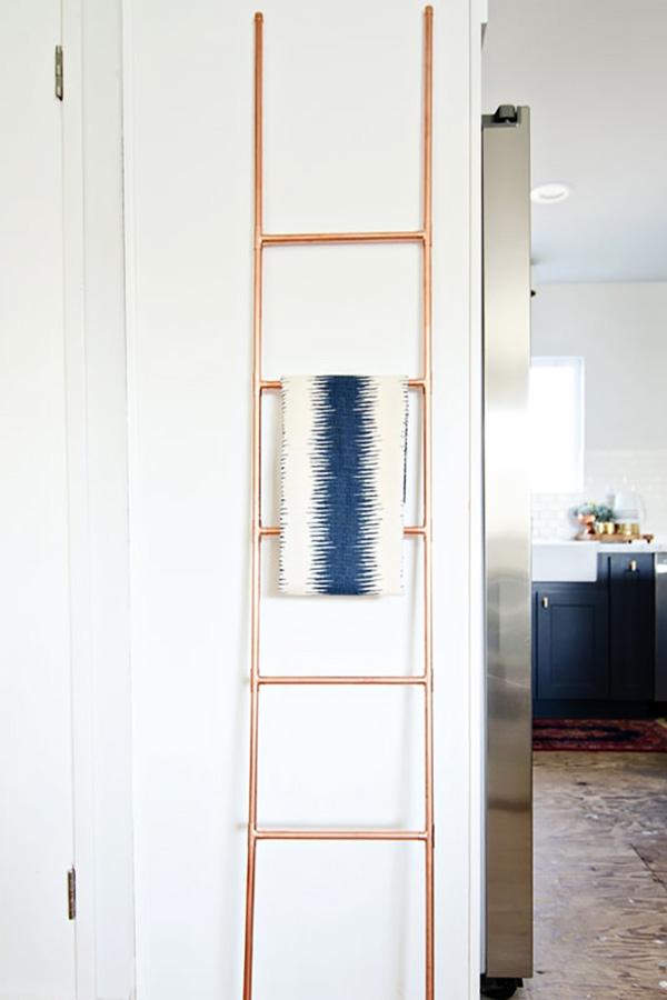escalera diy con tuberías de cobre