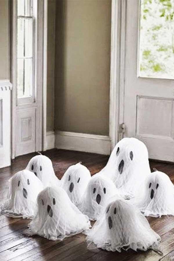 Fantasmas hechos con globos