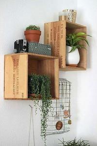 estanteria con caja